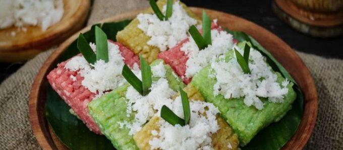 Kue Tradisional Indonesia. Getuk Lindri.