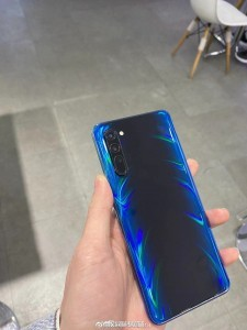 Photos of the Oppo Reno3 5G in the wild