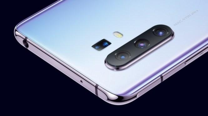 The text below the cameras confirm 64MP main camera