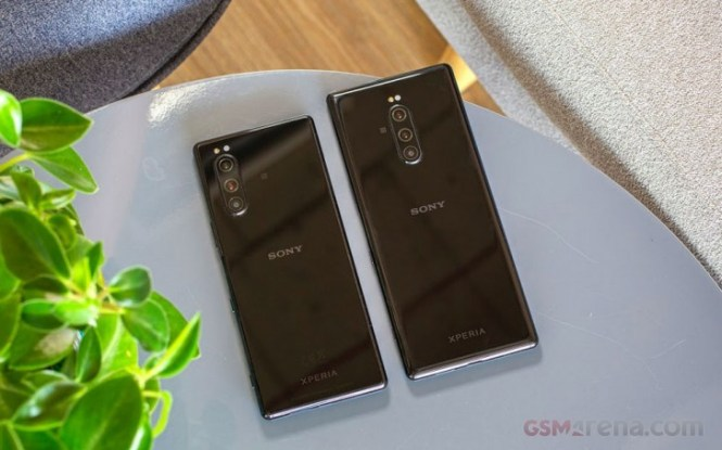 Sony Xperia 5 next to the Xperia 1