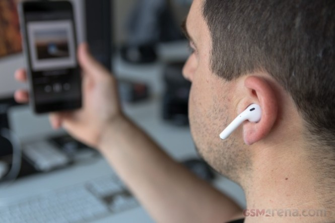 Apple's future AirPods 3 may adopt AirPods Pro's SiP technology
