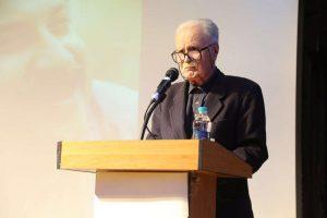 دکتر محمد روشن از شخصیت شعری شیون فومنی سخن گفت