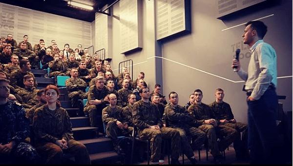 Tapinas kariuomenė