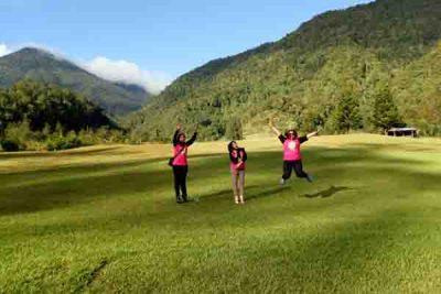 spot selfie indah di bukit golf cibodas