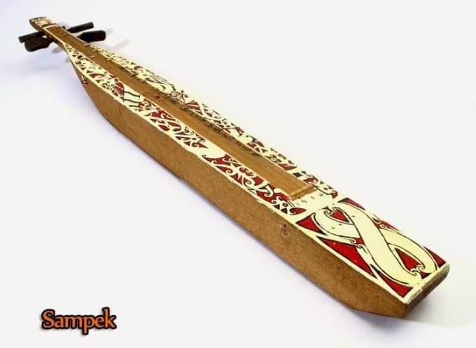 alat-musik-tradisional-sampek-kalimantan-timur