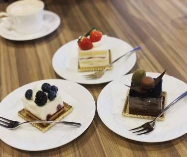 【大宮】パレスホテルのラウンジ サロンドゥカフェで濃厚なケーキを食べたよ