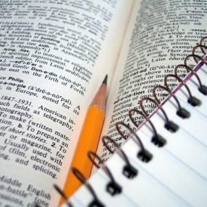 Карандаш, блокнот, словарь