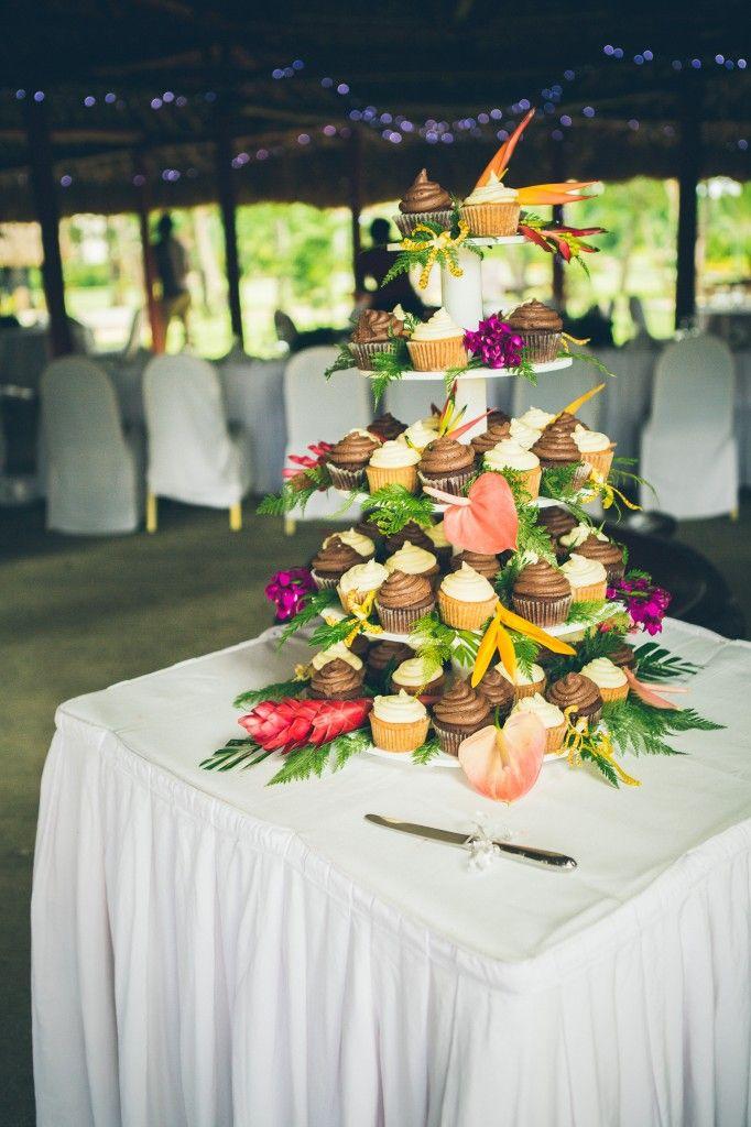 Bula Bride Fiji Wedding Blog // Fiji Wedding Cakes // Ben & Karly – Nadi Bay