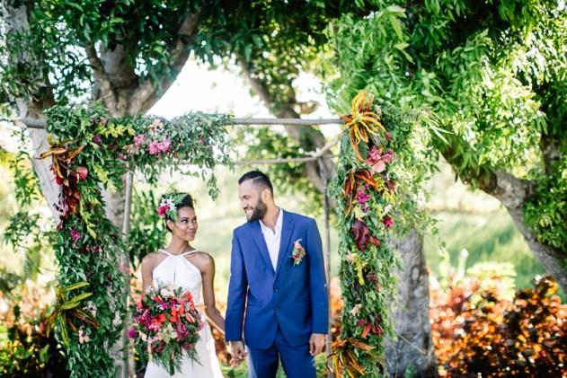 Bula Bride Fiji Wedding Blog / Colourful Fiji Wedding Inspiration Shoot. Captured by Leezett Photography. Creative Direction Bula Bride.