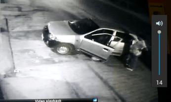 पुलिस ने सीसीटीवी की फुटेज के आधार पर चोरों की तलाश शुरू कर दी है।