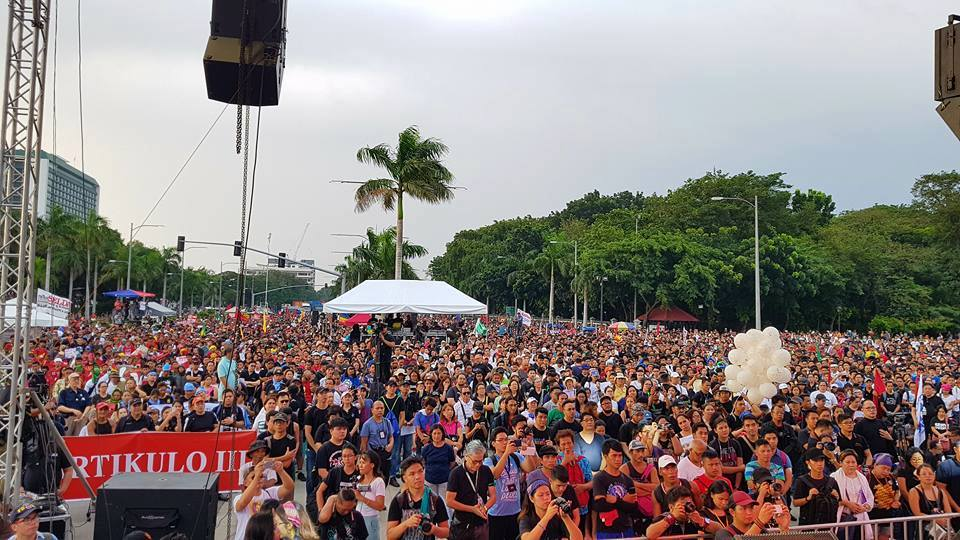 Big, broad #LunetaRally delivers a resounding 'Never again to Martial Law'