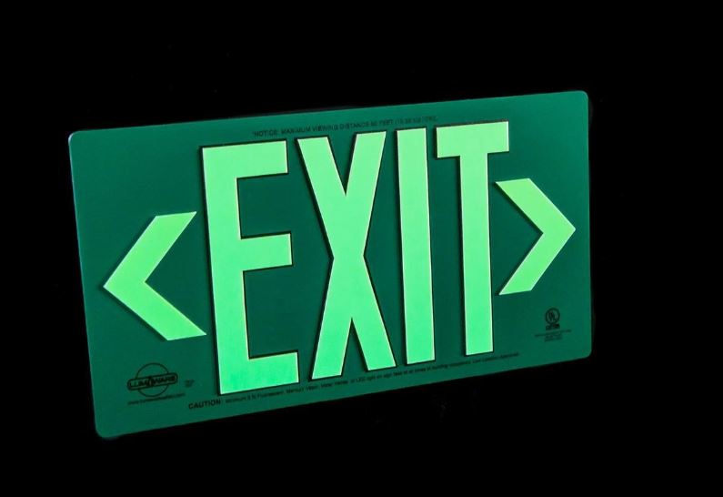 Photoluminescent-Exit-Sign-Single-Sided-Green-Aluminum-Composite
