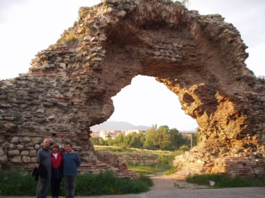 Archway in Roman wall, Hissar.