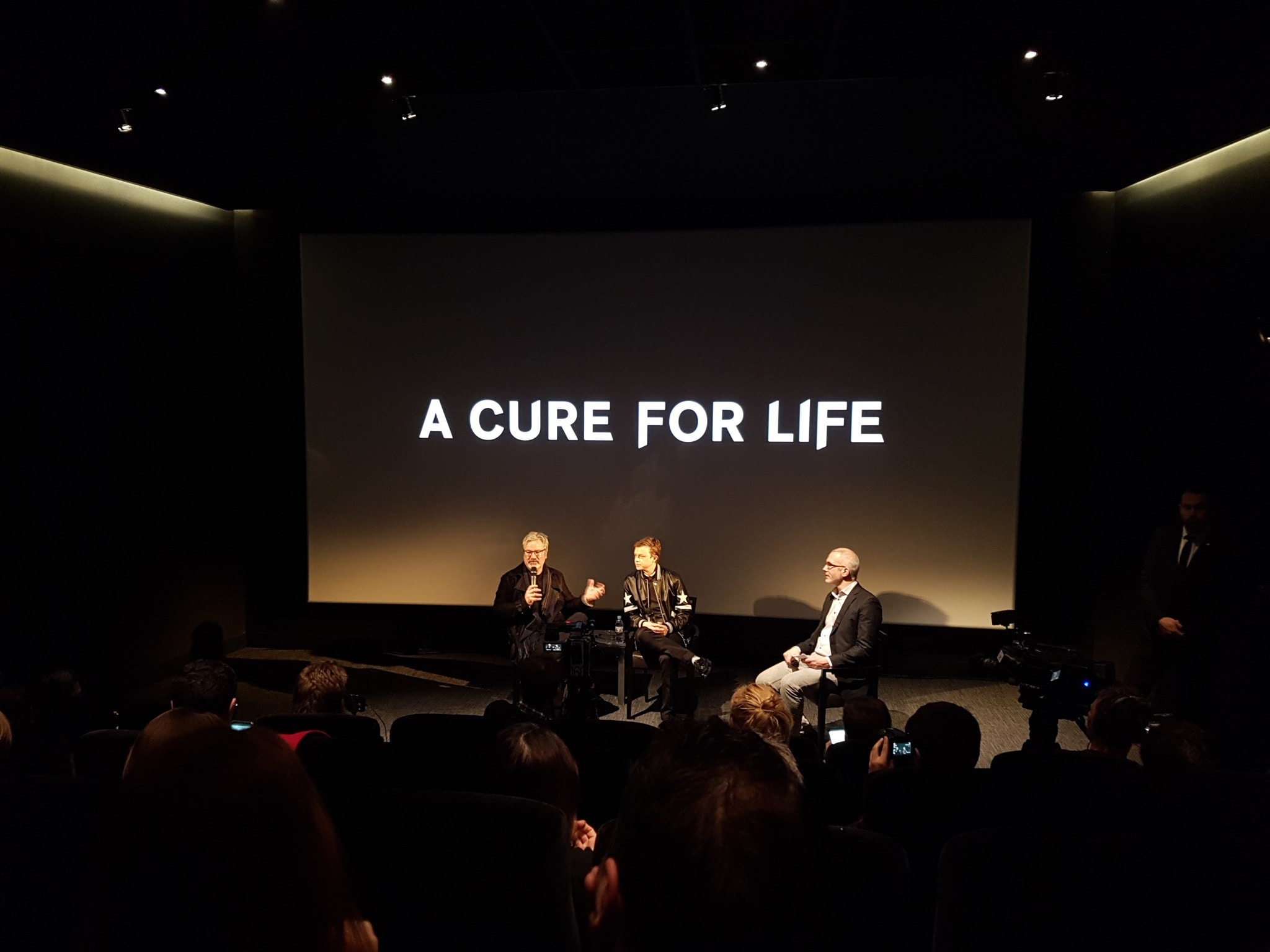 INTERVIEW image Gore Verbinski & Dane DeHaan A Cure for Life A Cure For Wellness
