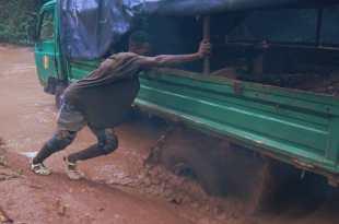 Les Routes de l'impossible - Côte d'Ivoire, or et cacao pour quelques pépites image série documentaire