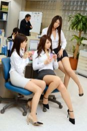 office-lady-11