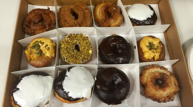 Photo of a box of donuts (Chicago doughnuts)