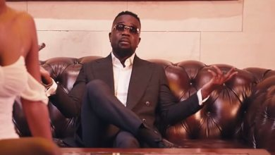 Photo of VIDEO: Sarkodie – Rollies and Cigars