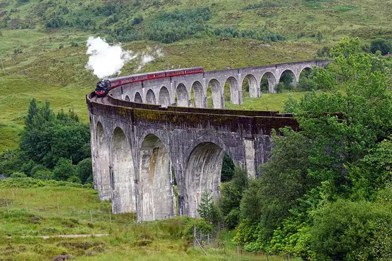Der Jacobite auf dem Glenfinnan Viaduct
