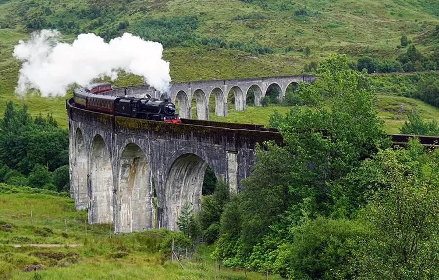 Den Harry Potter Zug am Glenfinnan Viaduct sehen – Infos und Tipps