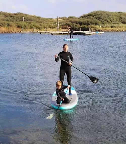 Tipps für Aktivitäten Zeeland mit Kindern - Stand Up Paddling
