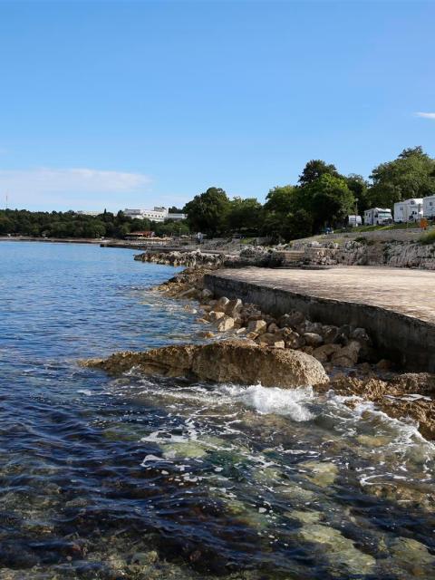 Die Strandpromenade in Istrien, Kroatien