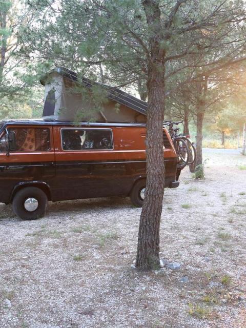 VW Bus T3 auf dem Campingplatz Krka