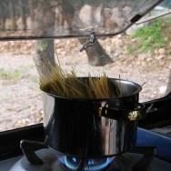 Kochen im VW Bus