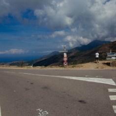 Straßenkreuzung auf Korsika