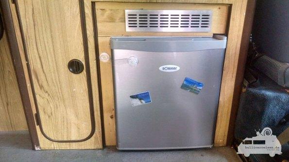 Mini Kühlschrank Bomann : Ein kühlschrank im vw bus und das günstig ⋆ reiseblog bulli verreisen