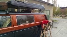 Das Dach ist wieder auf dem VW Bus T3