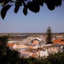 Von der alten Mauer hat man einen tollen Ausblick auf die Altstadt von Tavira