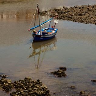 Die Stadt liegt am Fluss Gilão, der über Mündungen und Lagunen im Naturpark Ria Formosa ins Meer fließt