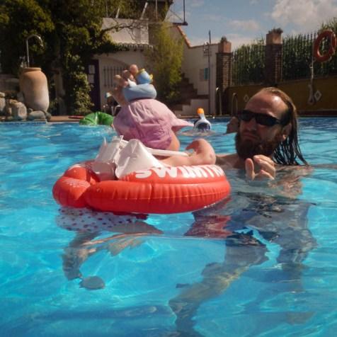 Erfrischung gibts im Pool am Campingplatz