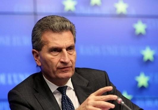 Европейски комисар предупреди за възможна бежанска вълна от Египет