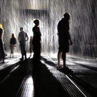 В Емирствата откриха стая, където вали вечно без да ви мокри