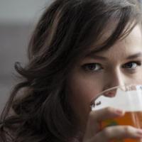 Ето защо бирата е полезна за жените