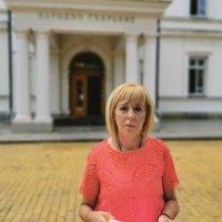 Манолова: Борисов незабавно да изтегли законопроекта за ЧСИ, приет от неговите депутати в сряда