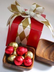 Eco-friendly acacia bowl with Belgian holiday chocolates