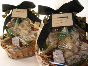 Cooking Baskets for Zoltan Farkas Construction's New Year's Gifts (bumble B design)