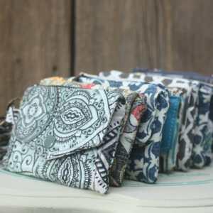 Wallet wristlets