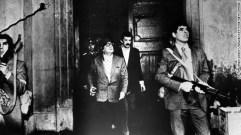 Revolusi Chile 08 Allende Berusaha Mempertahankan Diri