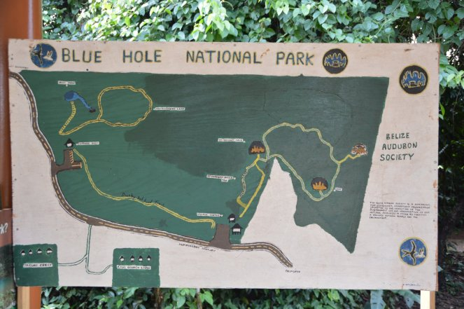 Blue Hole National Park (man bemerke die selbstgemalte Karte)
