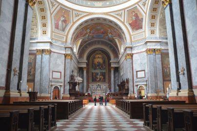 Das imposannte Innere der Basilika