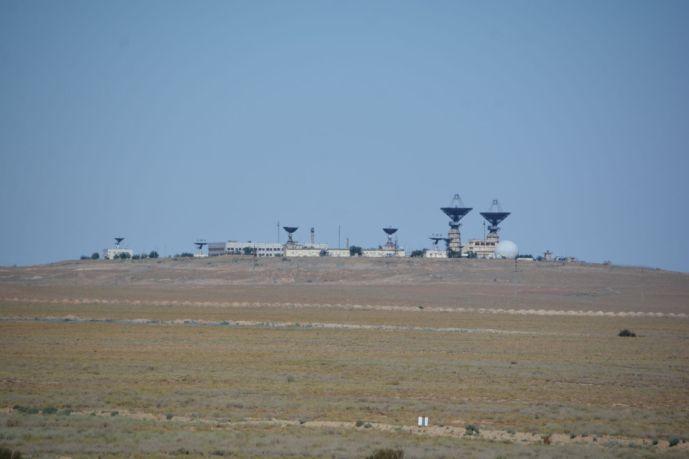 Satellitenanlagen - mehr gab es von den Raketenabschussstationen nicht zu sehen