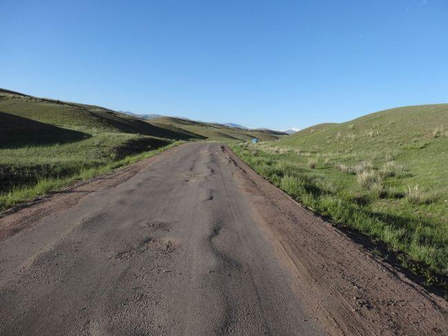 Wenn so die Straßen aussehen - da fahren wir doch lieber Pisten