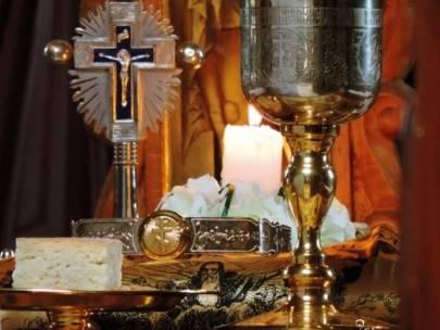 După Sfânta Împărtășanie, în ziua aceea se poate sta în genunchi, se pot face metanii?