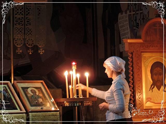 De ce aprindem lumanari la slujbe sau cand facem rugaciuni?