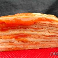 Tort de clatite pufoase cu gem si mascarpone