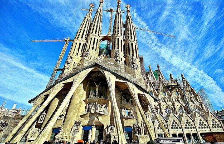 Top 5 Sights in Barcelona - Sagrada Familia